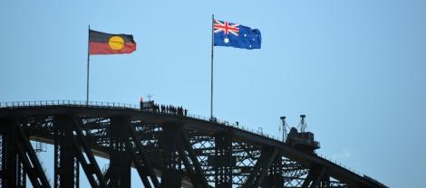 Drapeau aborigène et Australien.